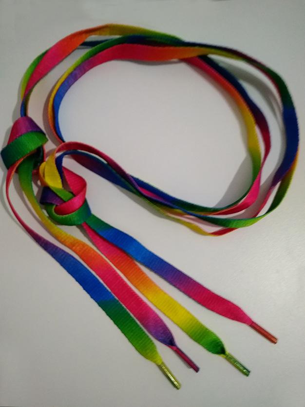 sznurówki w tęczę