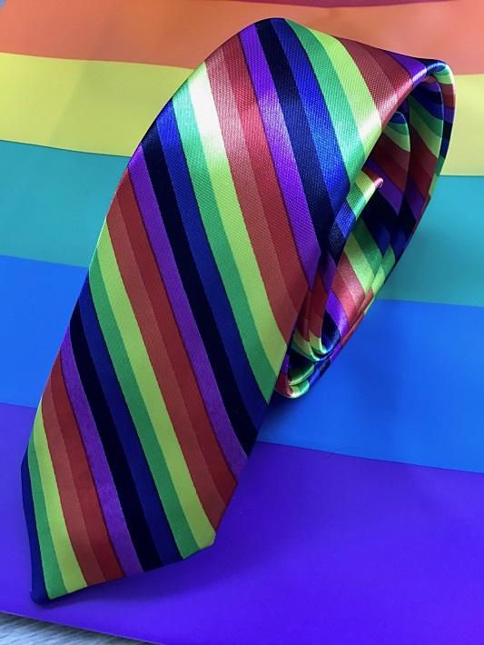 tęczowy krawat