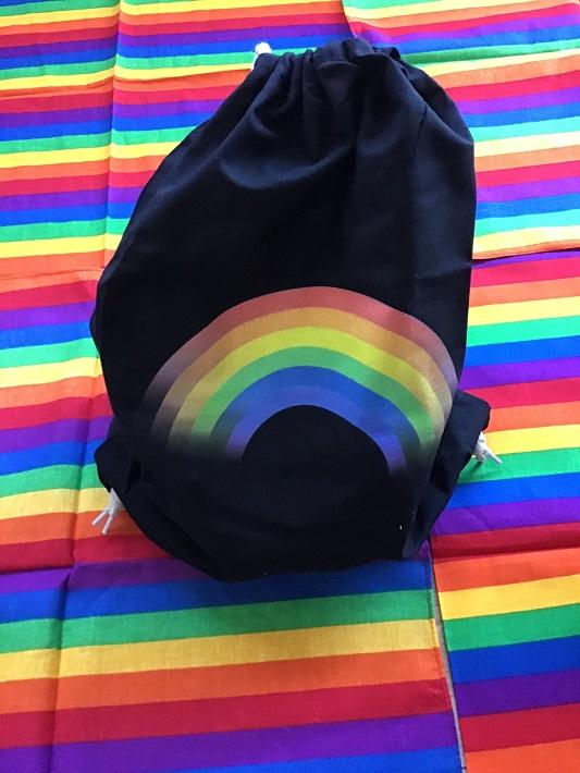tęczowy plecak